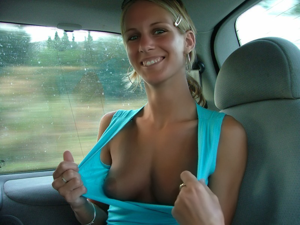 Girlfriend naked in car — img 2