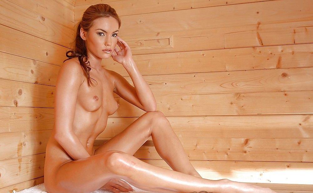 все красивые голые женщины в бане просто, безо