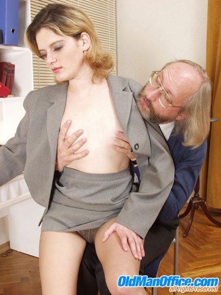 Необычное молодая секретарша и старик директор секс