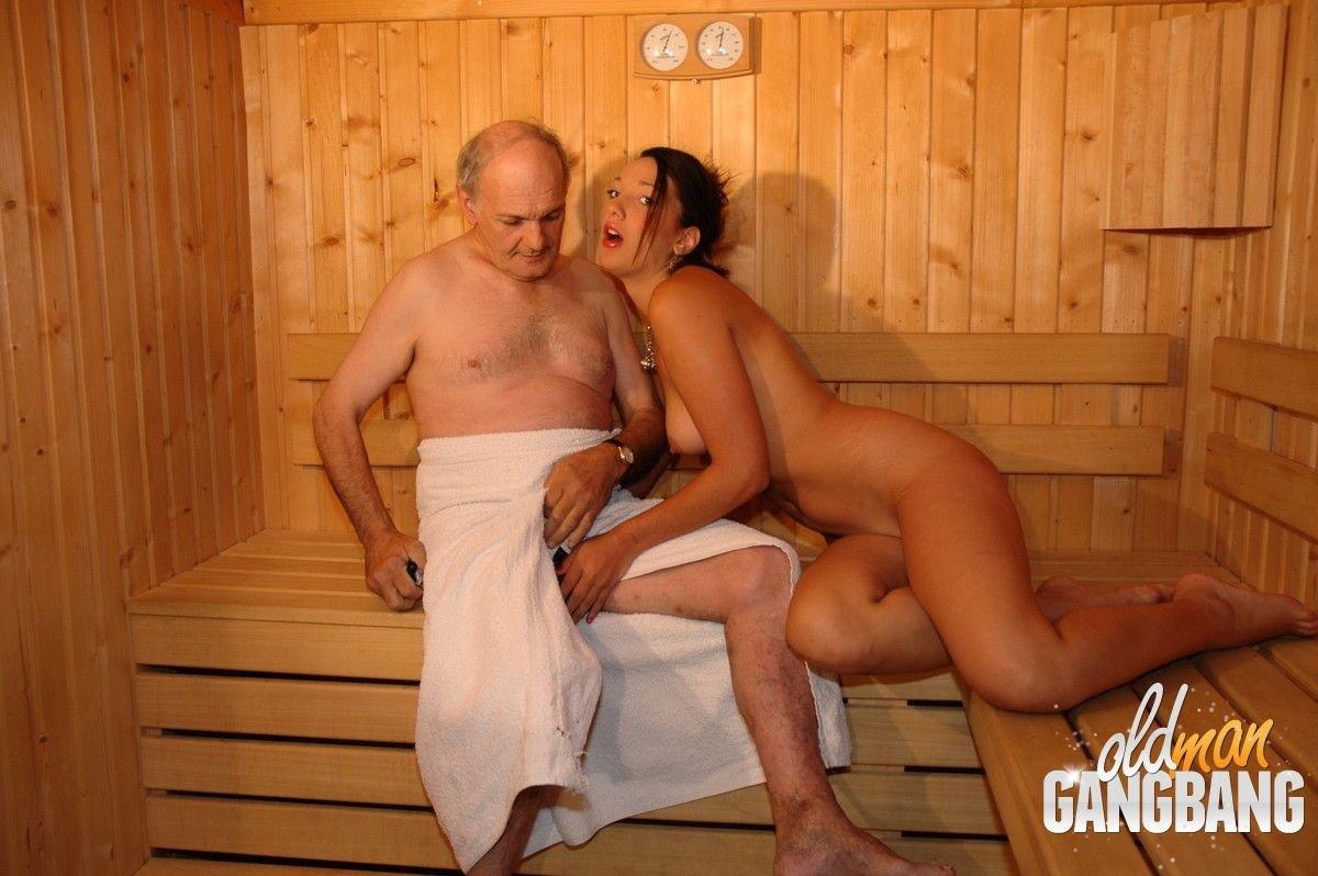 старый с молодой в сауне нашем сайте