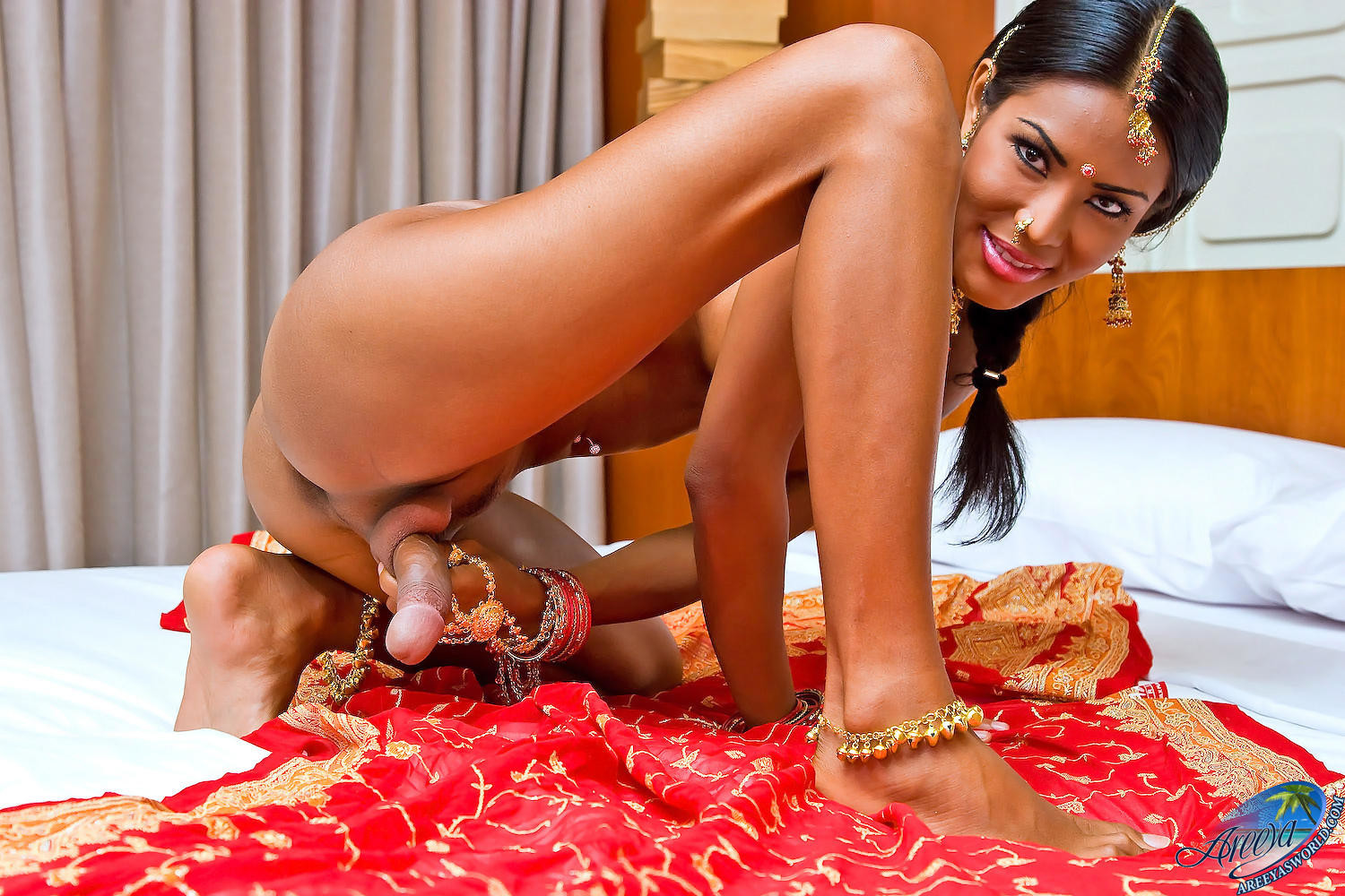 indian-transexual-naked