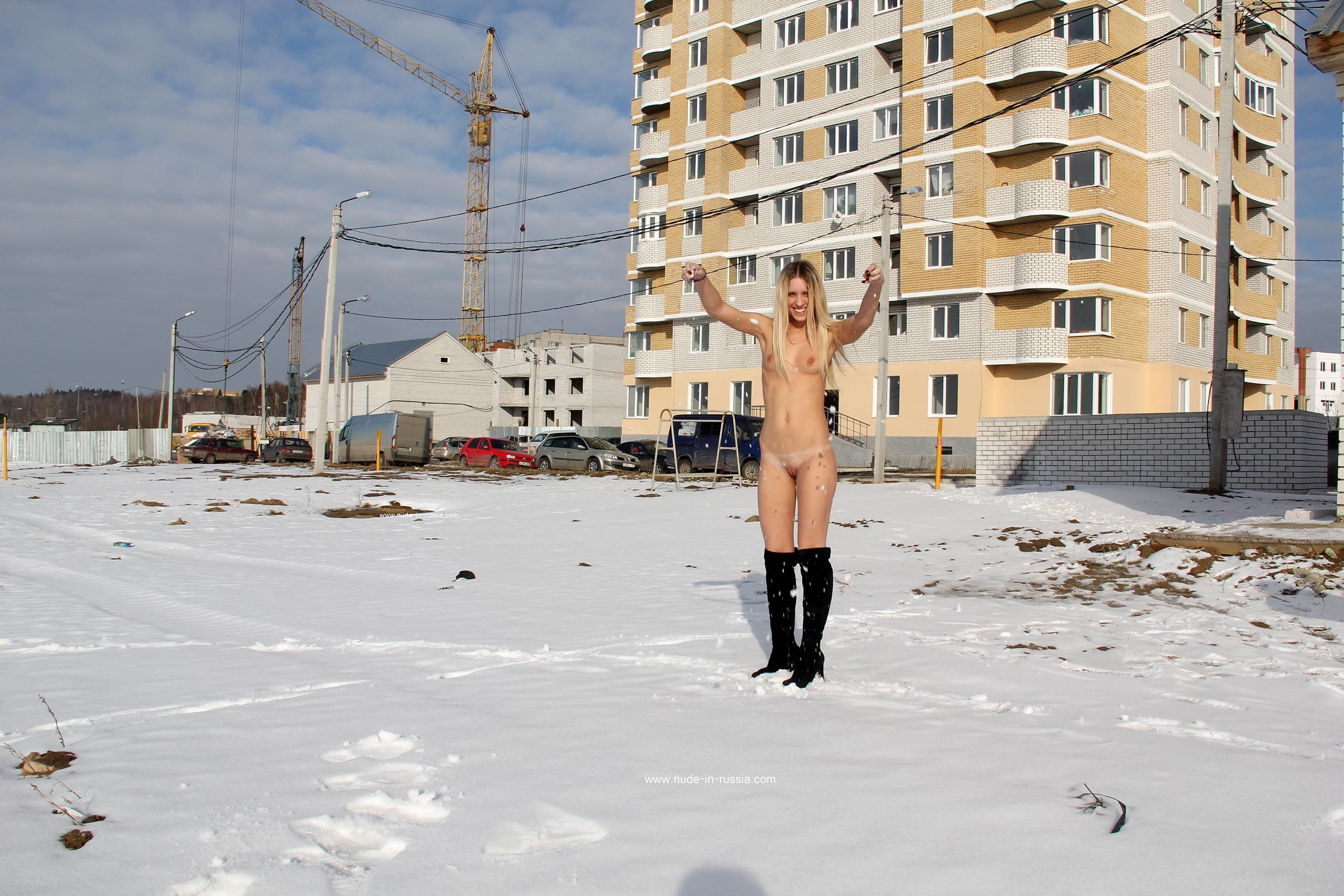 Девушки на снегу (ты их согрей руками) - компиляция 11