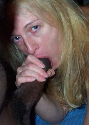 Черный хуй для жены блондинки