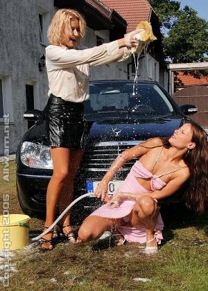Моют машины - Фото галерея 782253