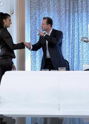 Голые мужчины и женщины в одежде - Фото галерея 950561