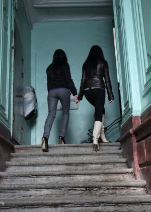 Голые мужчины и женщины в одежде - Фото галерея 1017834