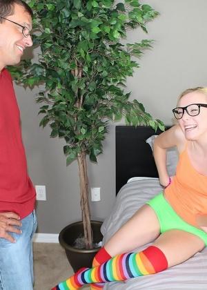 Голые мужчины и женщины в одежде - Фото галерея 968767