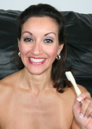 Чистка зубов спермой - Фото галерея 696978