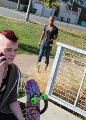 Молодые геи трахаются в презервативе