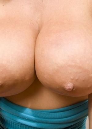 Глотает сперму - Фото галерея 623794