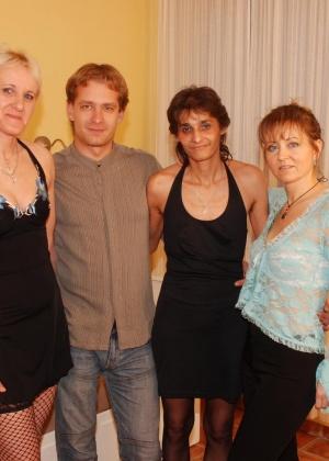 ЖЖЖМ (три женщины и мужчина) - Фото галерея 771492