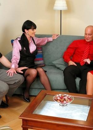 ЖМЖМ (две женщины и двое мужчин) - Фото галерея 721916