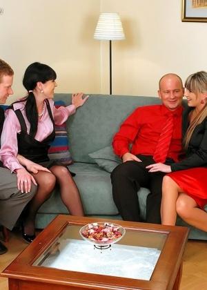 ЖМЖМ (две женщины и двое мужчин) - Фото галерея 725540