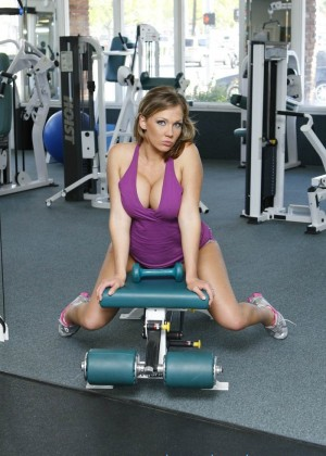 Женщина нашла ебаря в спортзале