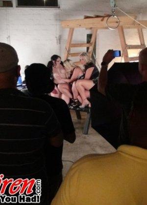 Большие секс игрушки - Фото галерея 872208