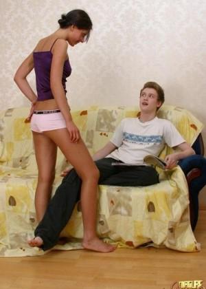 Секс втроем зрелых с молодыми - Фото галерея 274310