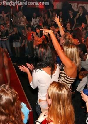 Онлайн порно секс с пьяной на дискотеке смотреть фото