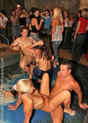 Пьяная секс вечеринка - Фото галерея 247878