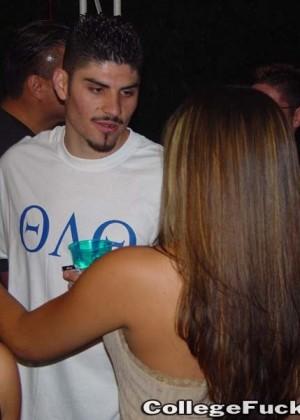 Пьяная секс вечеринка - Фото галерея 288432