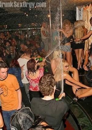 Пьяная секс вечеринка - Фото галерея 288456