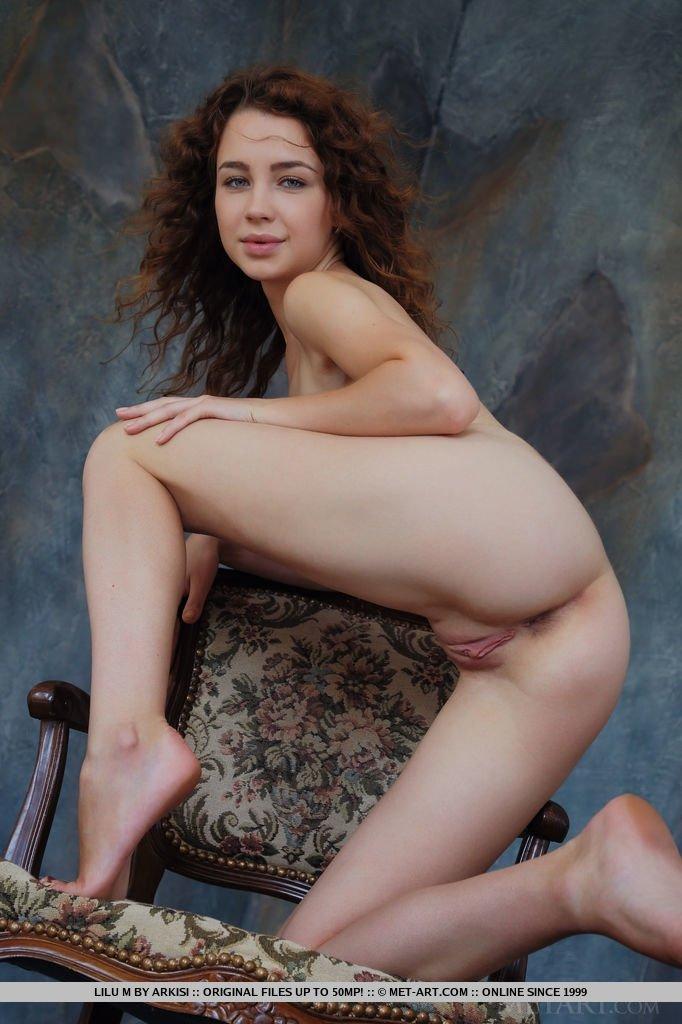Под юбкой - Фото галерея 1054986