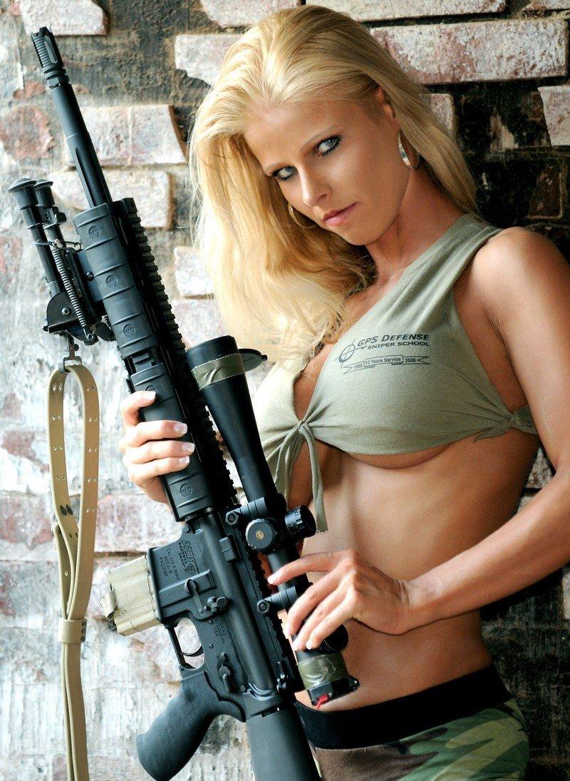 Телки в военной униформе