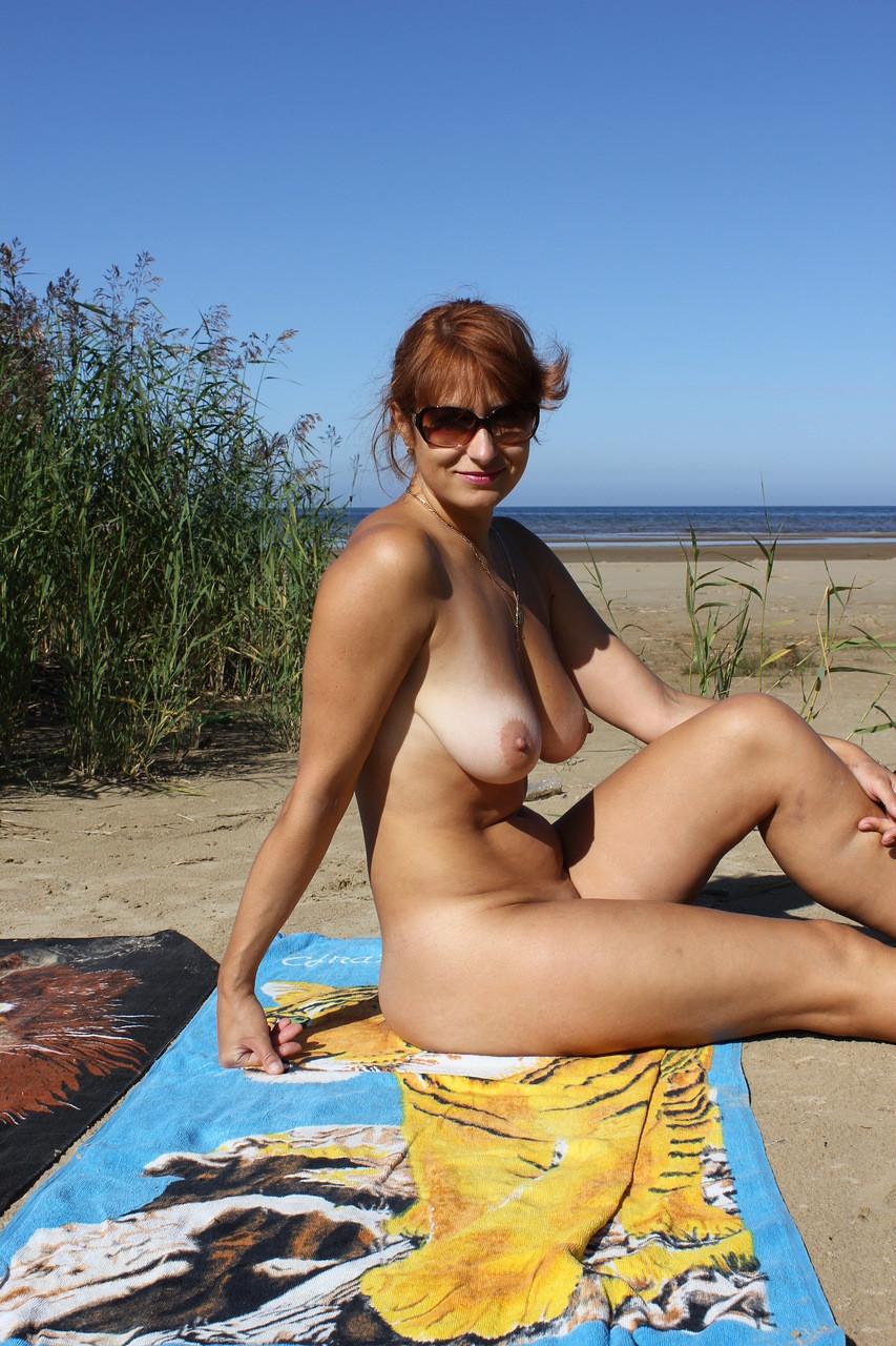 фото голых одиноких женщин просто