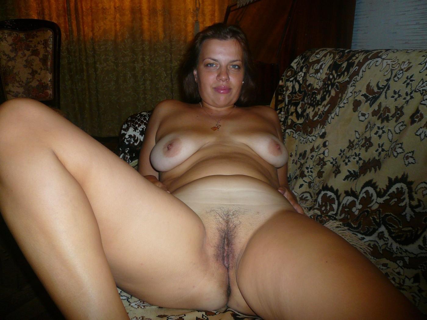 Наталья балуется секс игрушкой