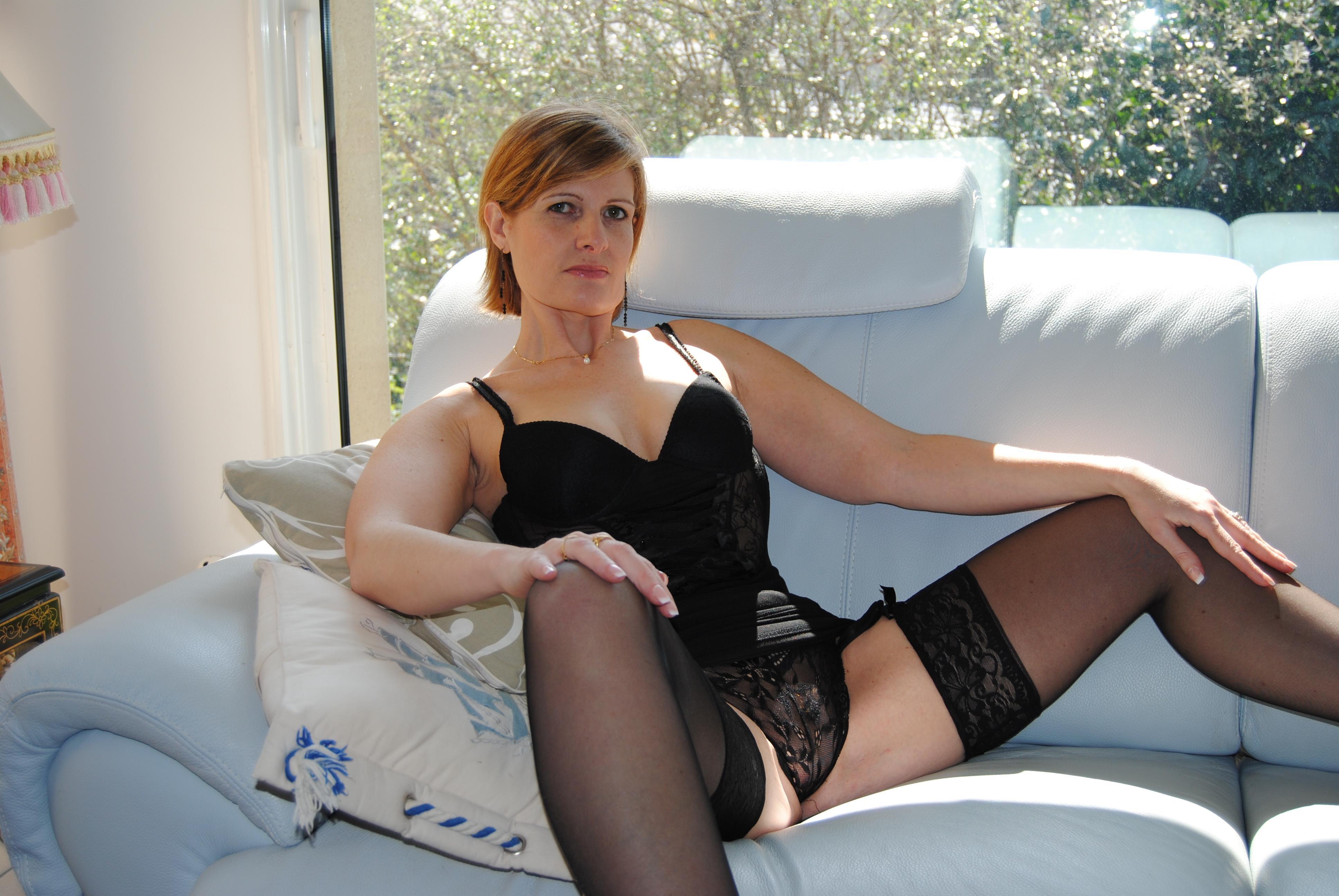 Орфея - зрелая французская порнозвезда