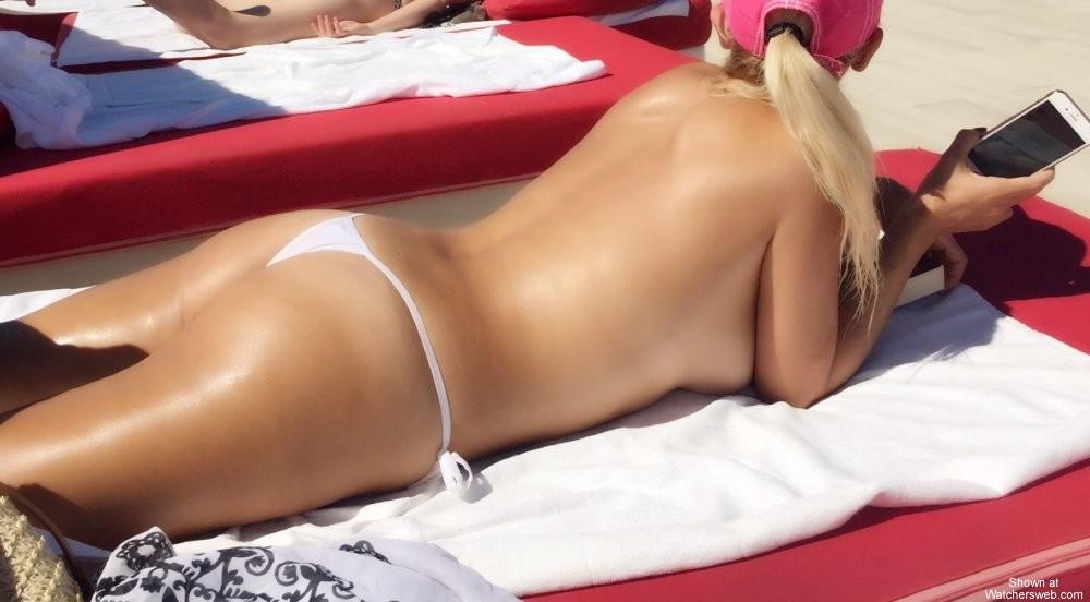 Большая красивая жопа турецкой блондинки