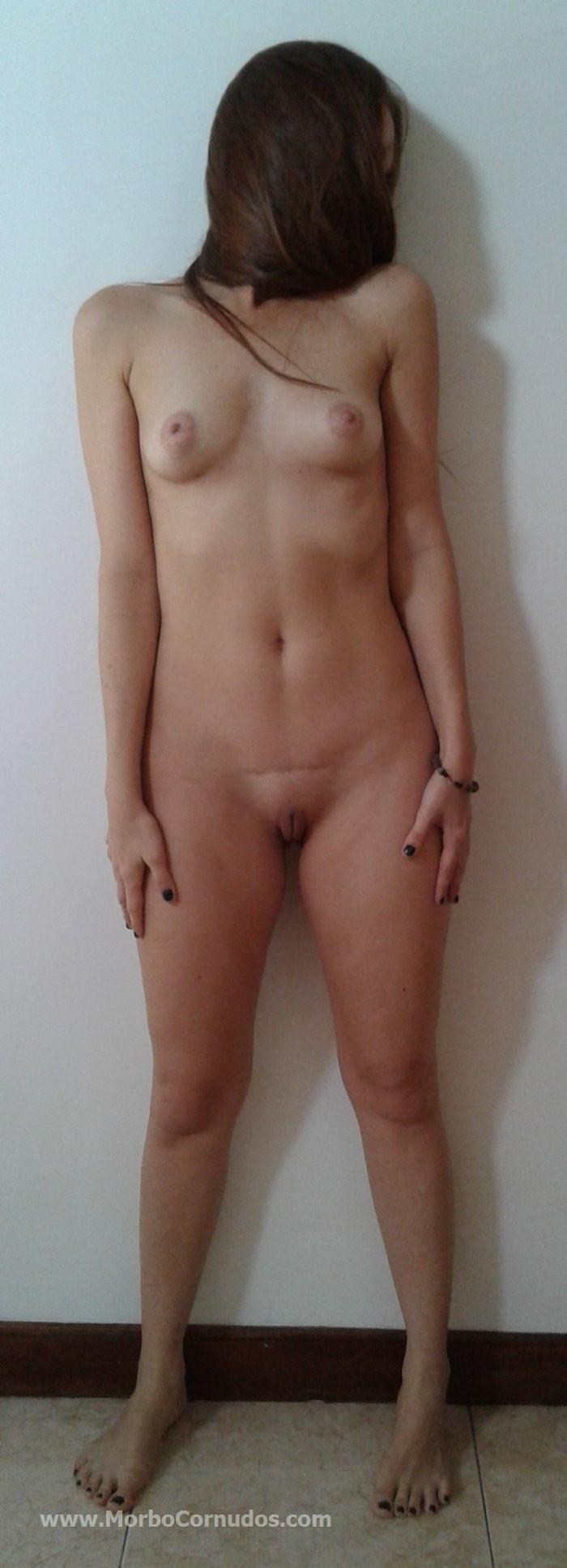 Стеснительная, не сексуально завораживающая испанка в голом виде и ебущаяся с мужем