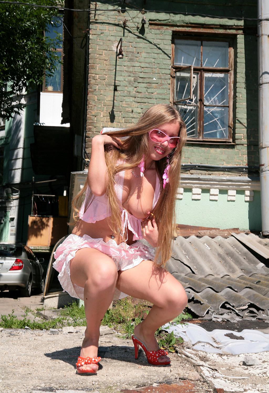украинка в трусиках - 14