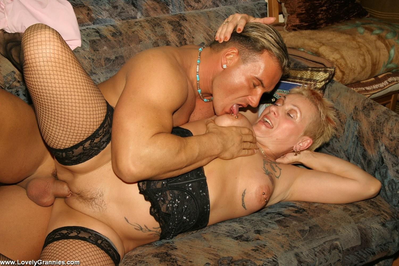 откровенные порно фото старых проституток блядей - 3