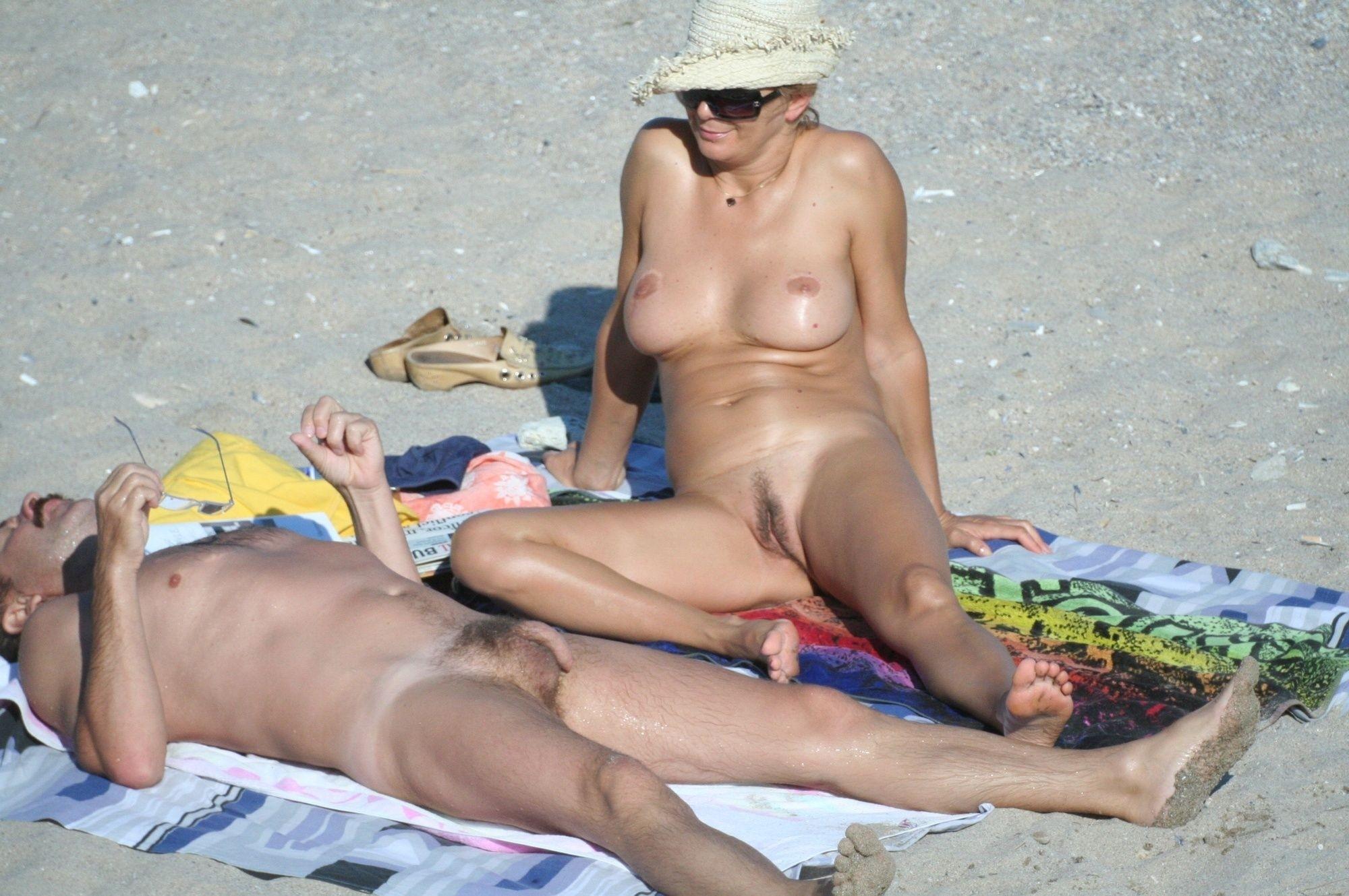 порно женщины на диком пляже самом