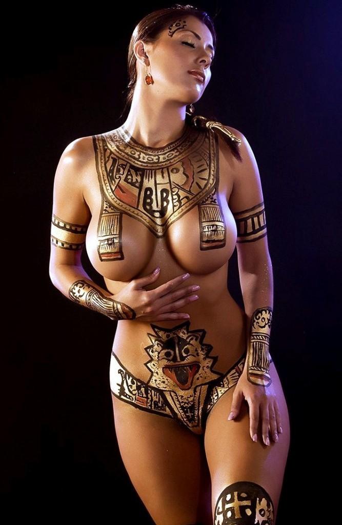 Сочные и многие голые румынские женщины