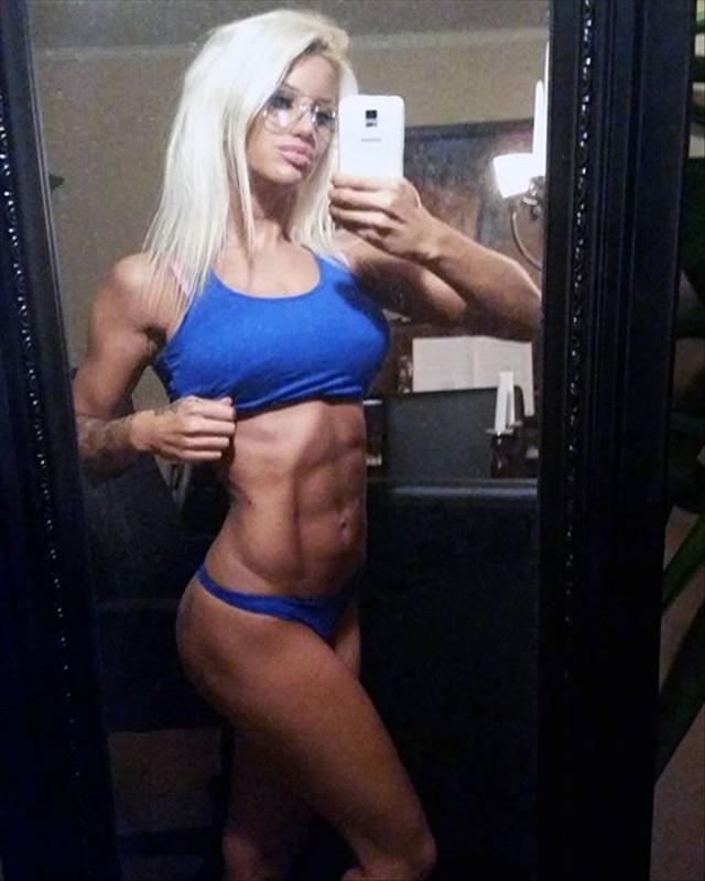 Гламурная шведская фитнесс модель Сандра