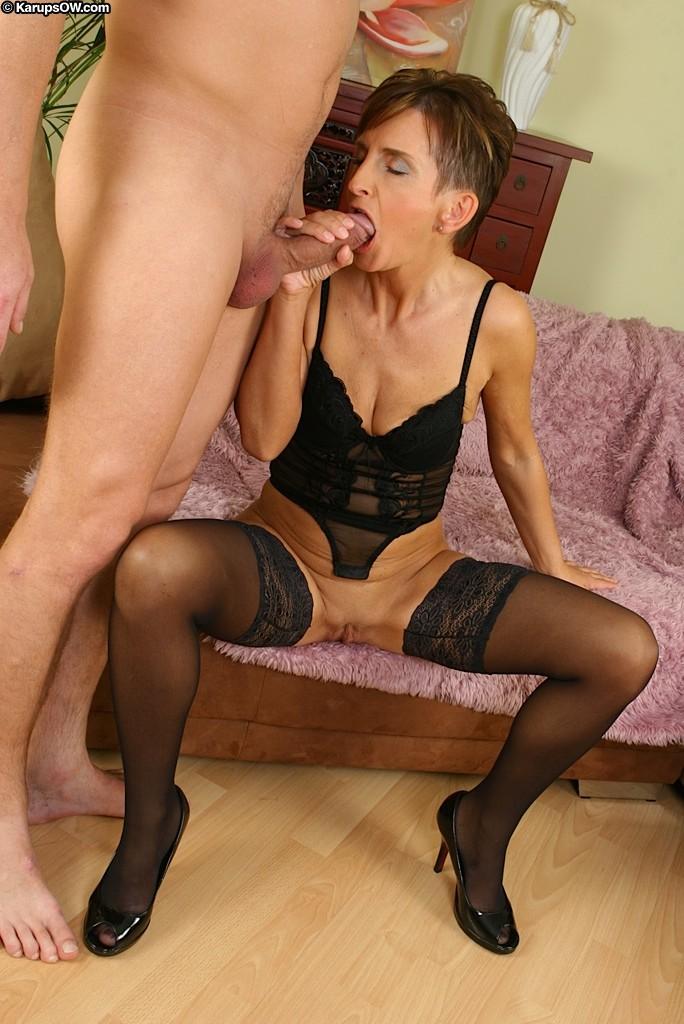 Секс с коротковолосой зрелой фитоняшкой из Бельгии