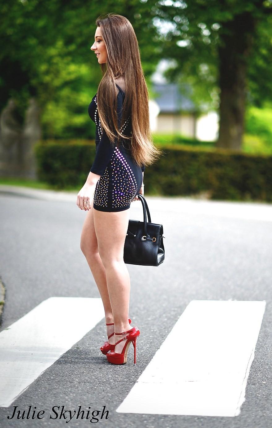 Бельгийская супер модель на высоких каблуках