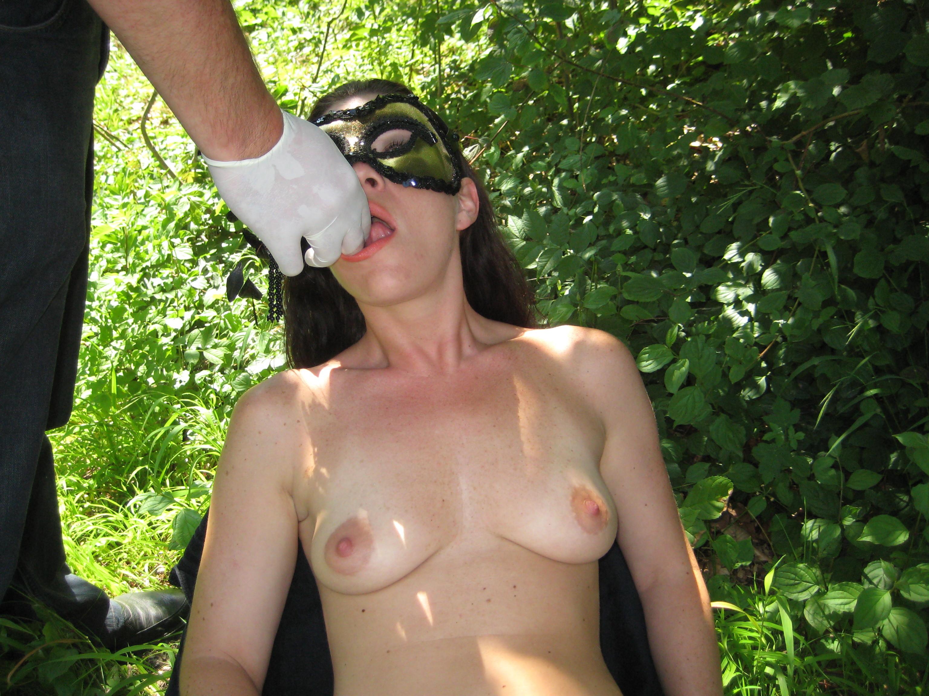 Оральный секс в лесу