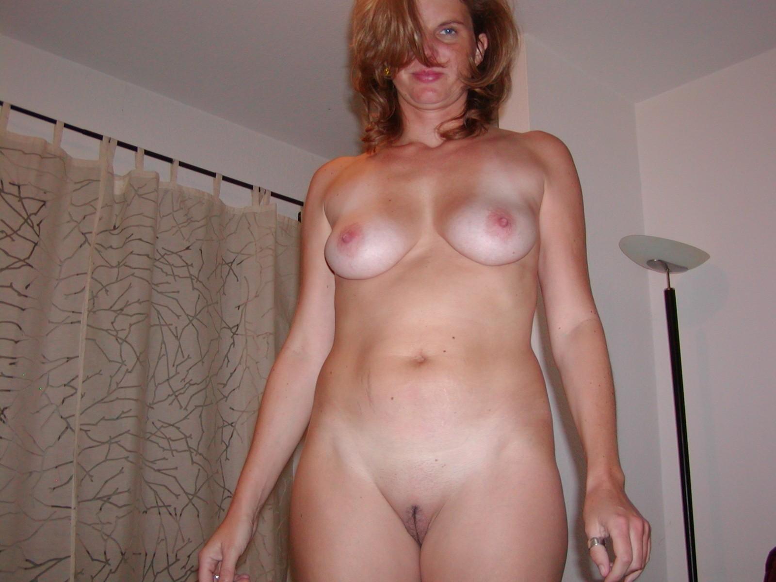 домашние бабы голые и видео