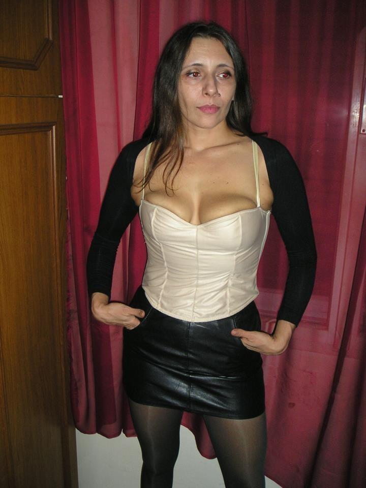 Сексуальная молодая женщина из Словакии