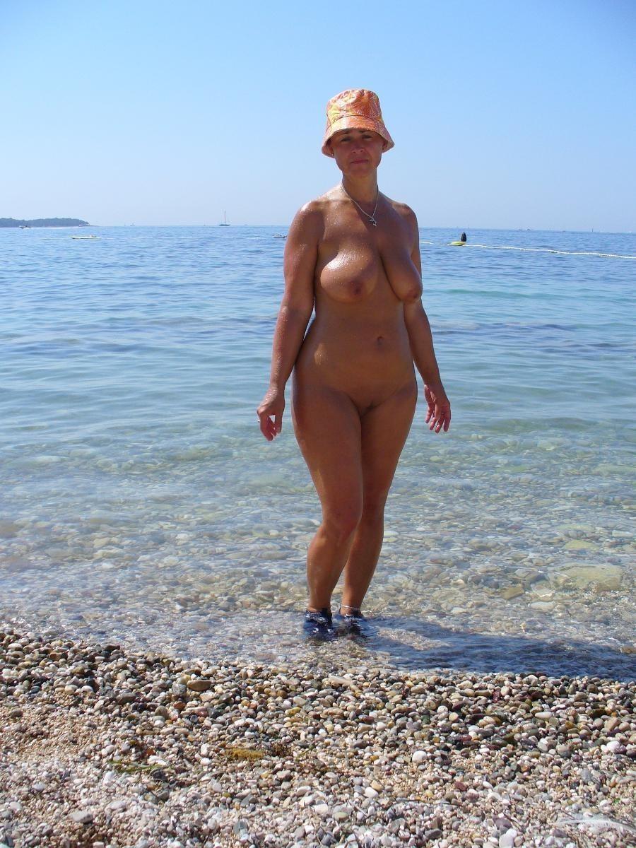 balzakov-vozrast-zagoraet-golie-porno-liliputami