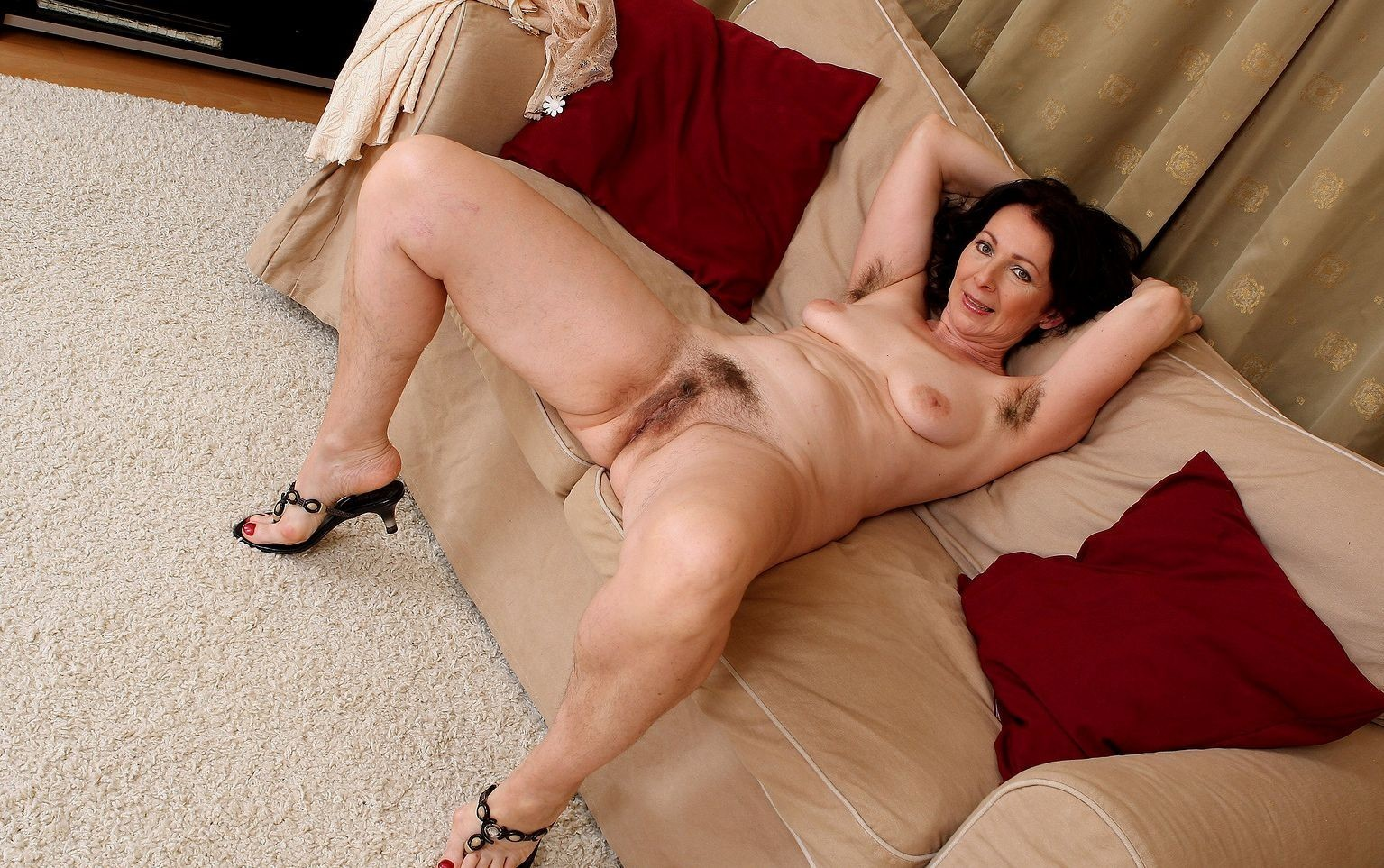 nude-hispanics-mature