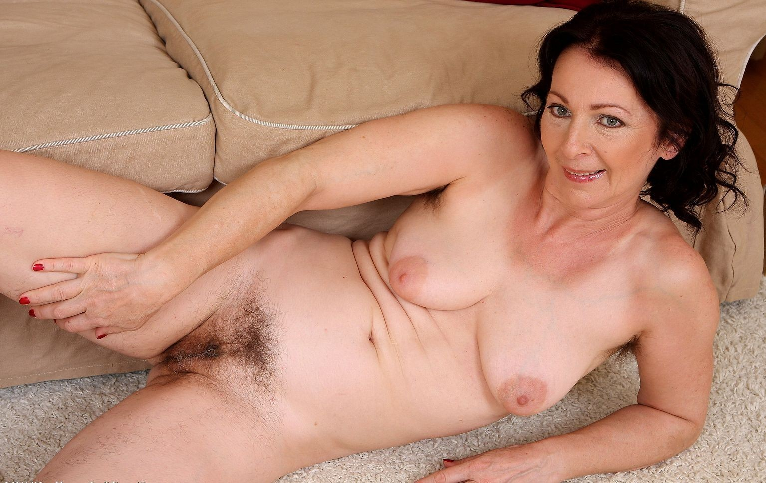 hairy-european-mature