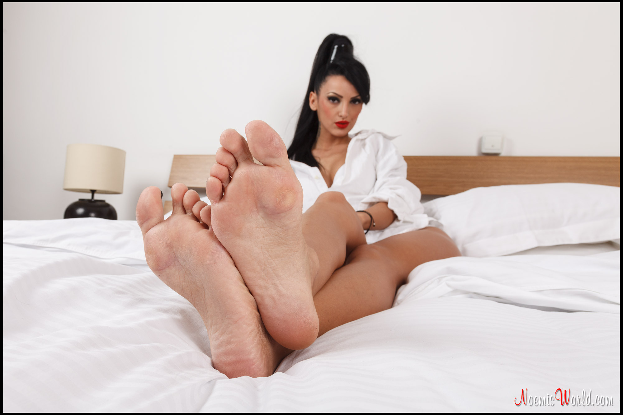Lebanese girls feet pics #11