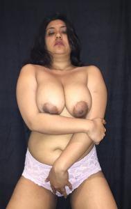 Пухлая замужняя пакистанка с большой грудью