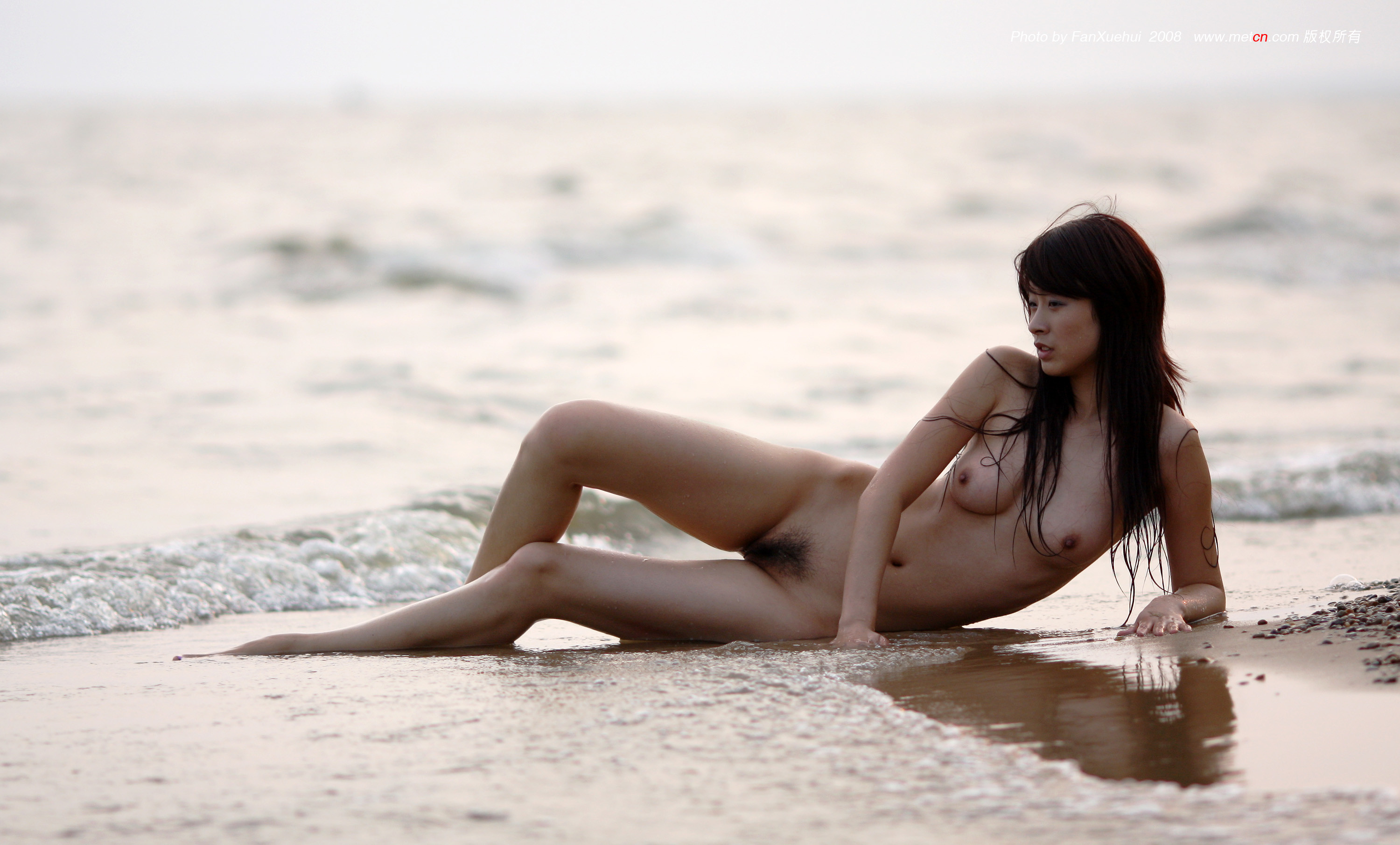 Asian naked beach girl — photo 4