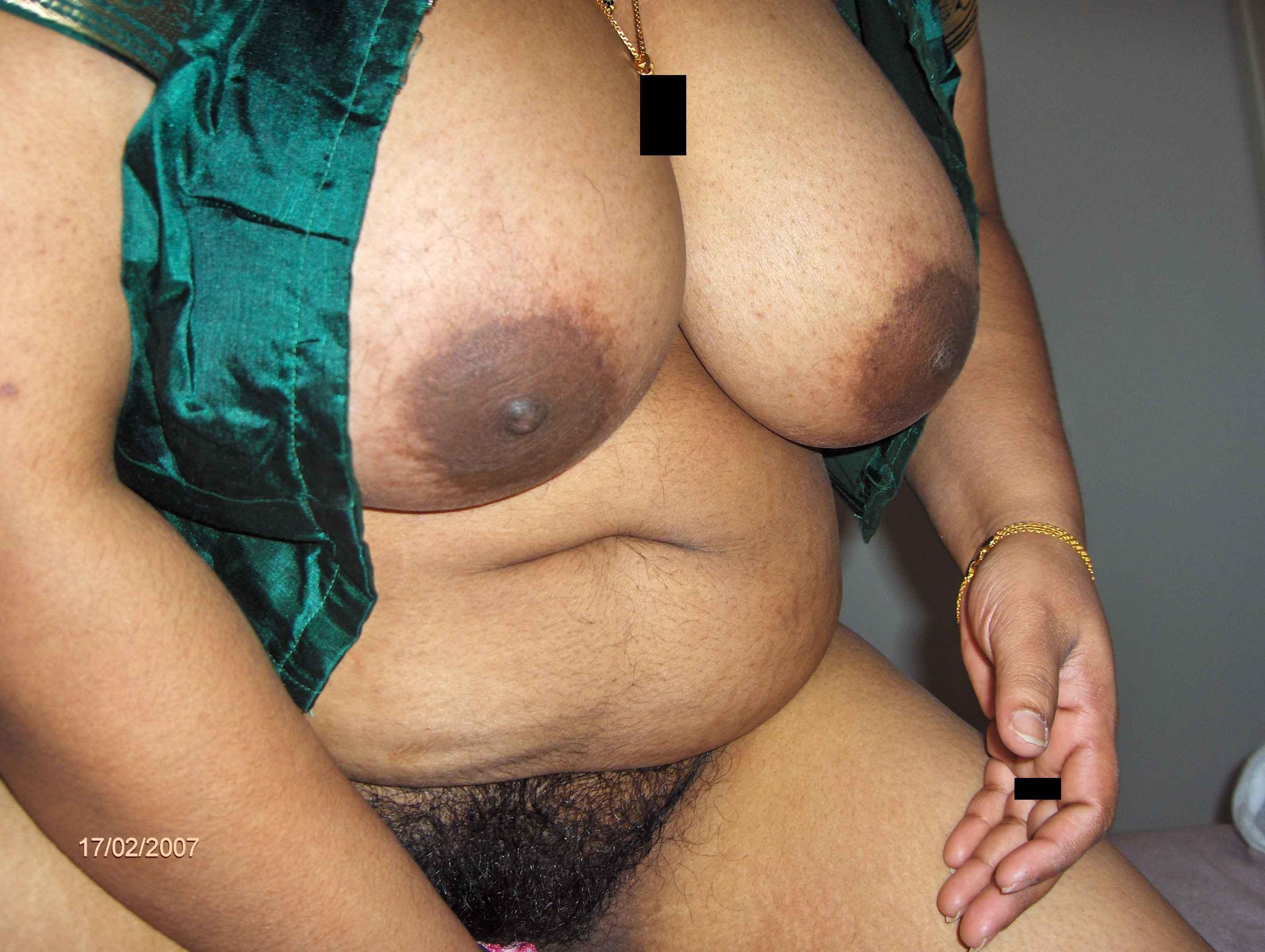 Большие сиськи пухлой пакистанской жены