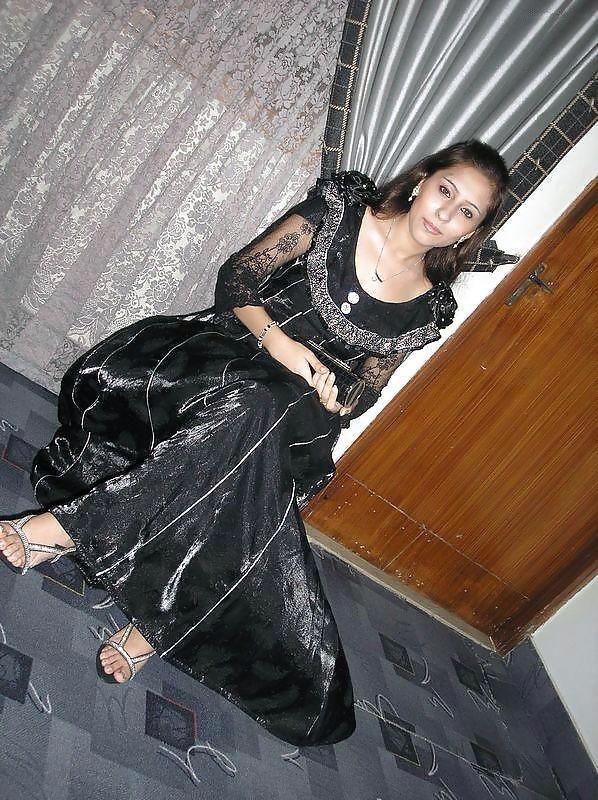 Интимные фото молодой женщина из Пакистана