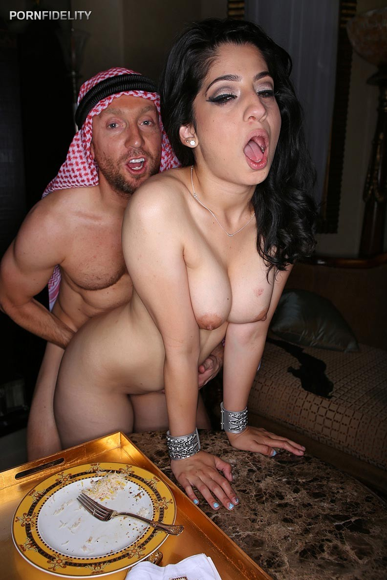 wilde-nakd-porn-irane-hot-photo-girl-with-hijab